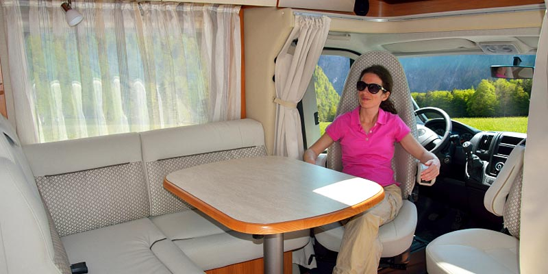 Motorhome & RV Windshield and Glass Replacement in Phoenix, AZ