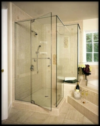 Frameless Shower with Pivot 105