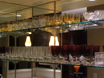 "Mirrored Bar with 3/8"" Glass Shelving"