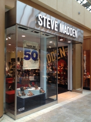 Steve Madden at Scottsdale Fashion